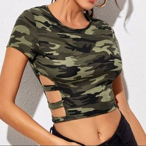 Tops - Camouflage cut out side crop top